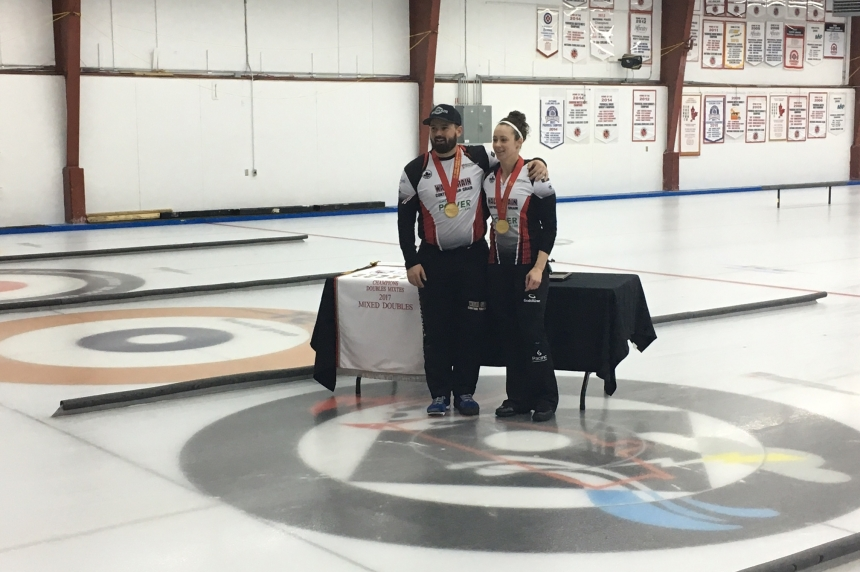 Courtney and Carruthers win mixed doubles title in Saskatoon