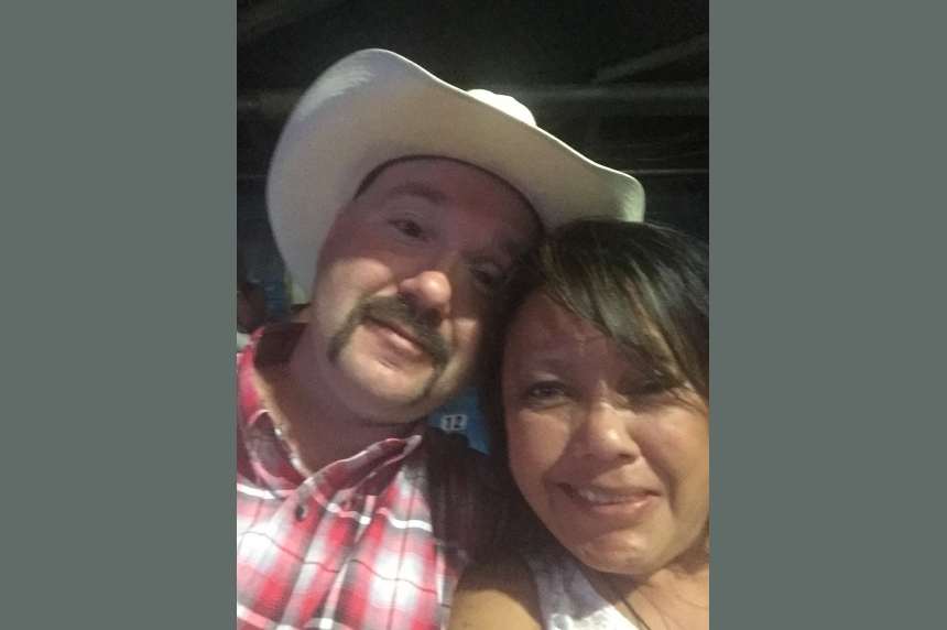Sask. couple drives 17 hours to fulfill dream of seeing Garth Brooks