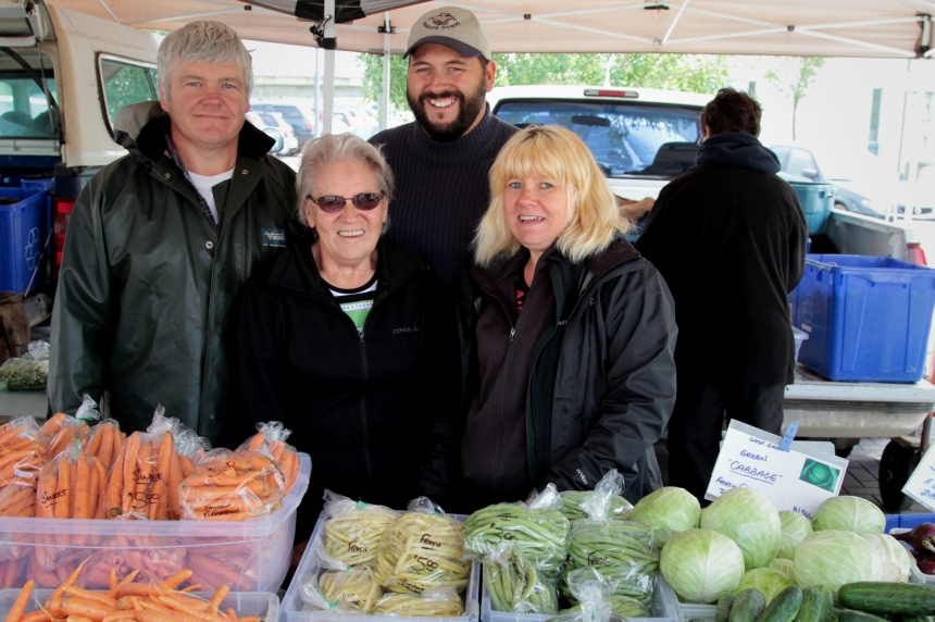 Simpkins family reflects on 40 years at Farmer's Market