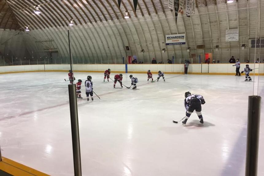 Sask. rancher blasts Ottawa's pricey Canada 150 rink