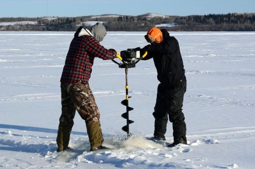 Cold snap ushers in 2016 ice fishing season
