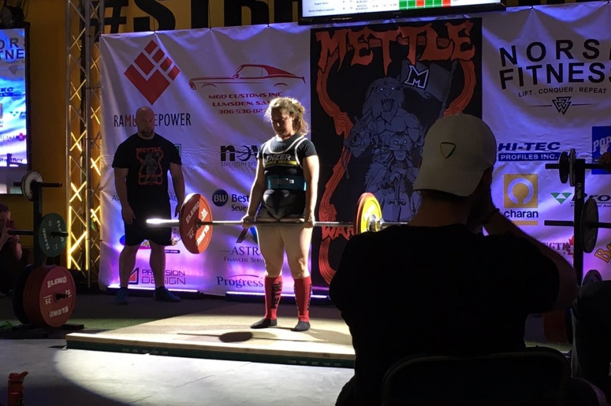 Strong women, men compete in weightlifting event in Regina