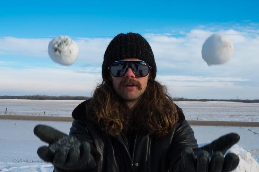 Saskatoon aims to break snowball fight world record
