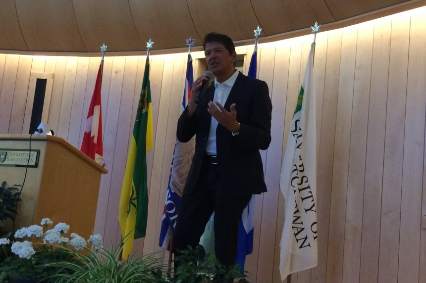 Former NHL coach Ted Nolan speaks in Saskatoon