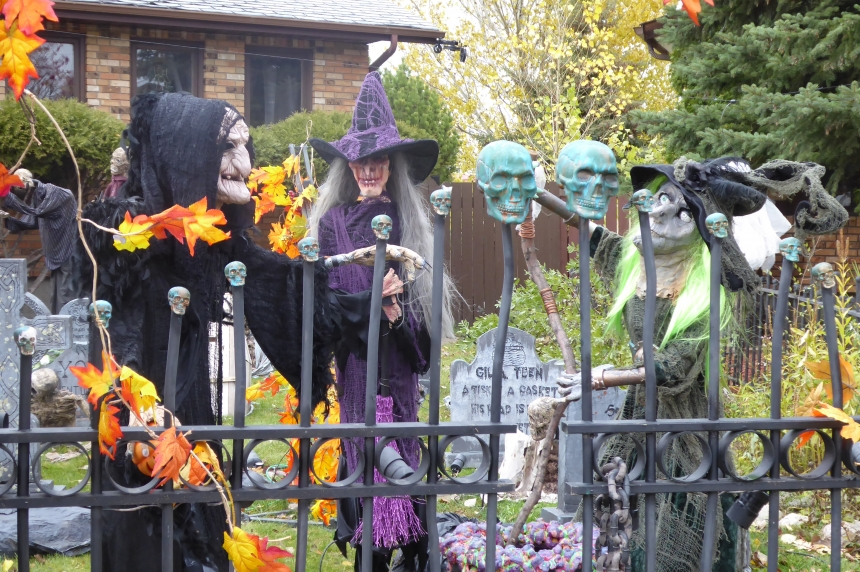 'Haunters' celebrate Halloween in Regina