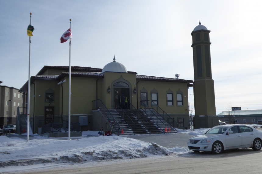 Regina Mosque opens doors to all