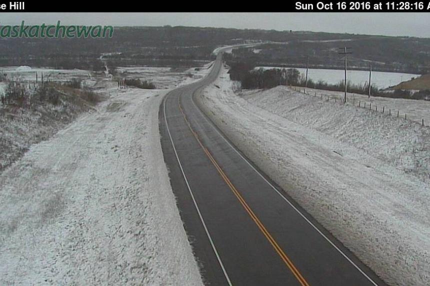 Freezing rain causes slippery roads in Sask.