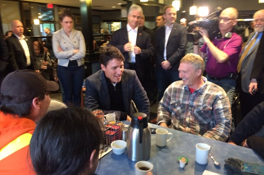 Trudeau makes brief stop in Regina during tour