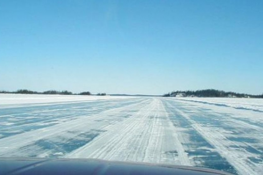 Wollaston Lake residents still stranded as ice road remains closed