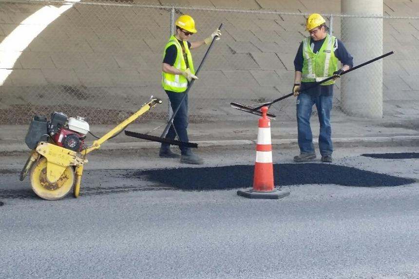 City of Saskatoon updates public on pothole season