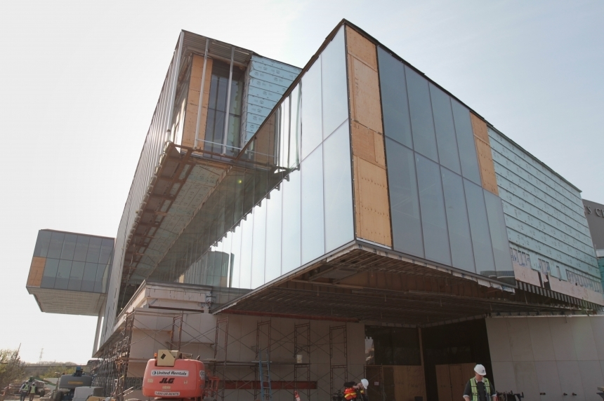 Remai Modern board voices frustration with construction delays