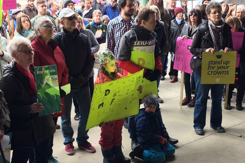 Unions, bus riders protest STC shutdown in Saskatoon