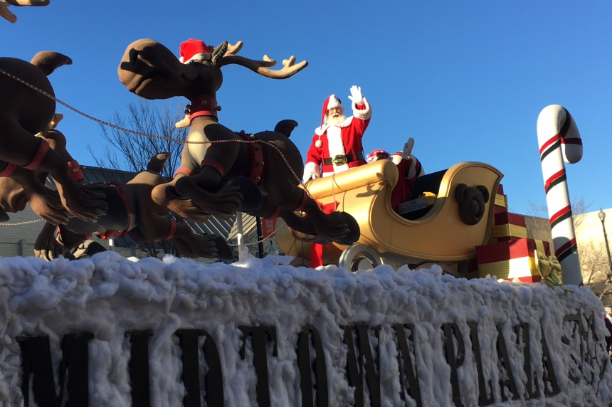 Thousands turn out for Santa Claus parade in Saskatoon