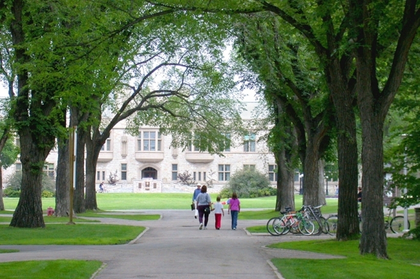 No charges for man carrying airsoft gun at U of S