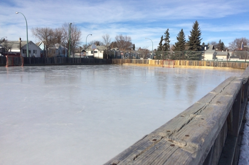 Warmer Regina weather causes less than ideal outdoor rink conditions