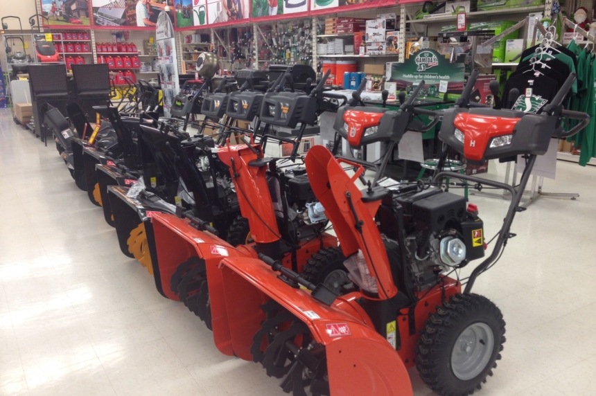 Reginans stock up on snow blowers ahead of first snow fall
