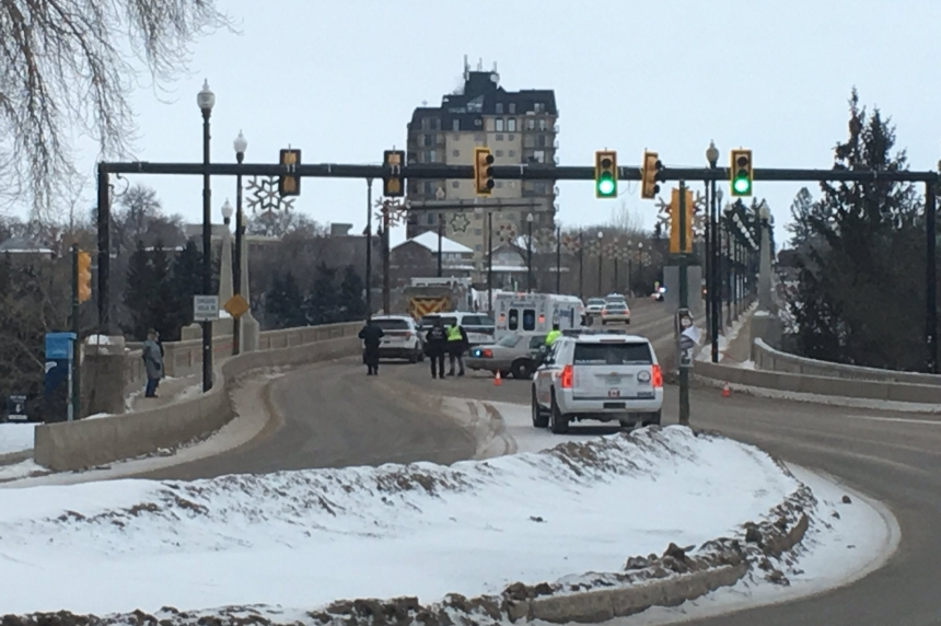 UPDATE: Man safe, traffic normal following Broadway Bridge incident