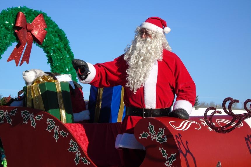 Santa Claus makes trip from North Pole to the Prairies