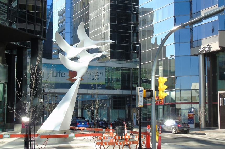 Flying geese sculpture returned to downtown Regina