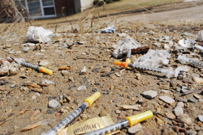 Prince Albert health region tries new tactic to get used needles off streets