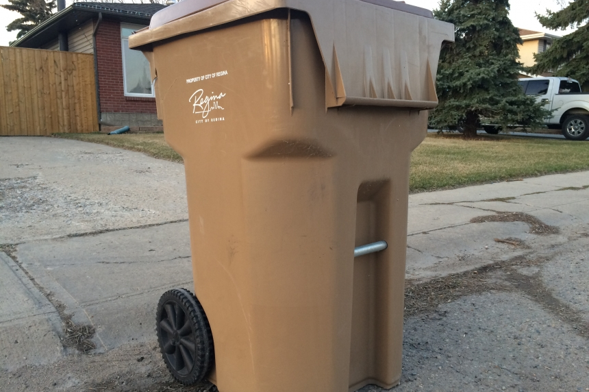 City of Regina throwing 360-litre garbage bins to the curb