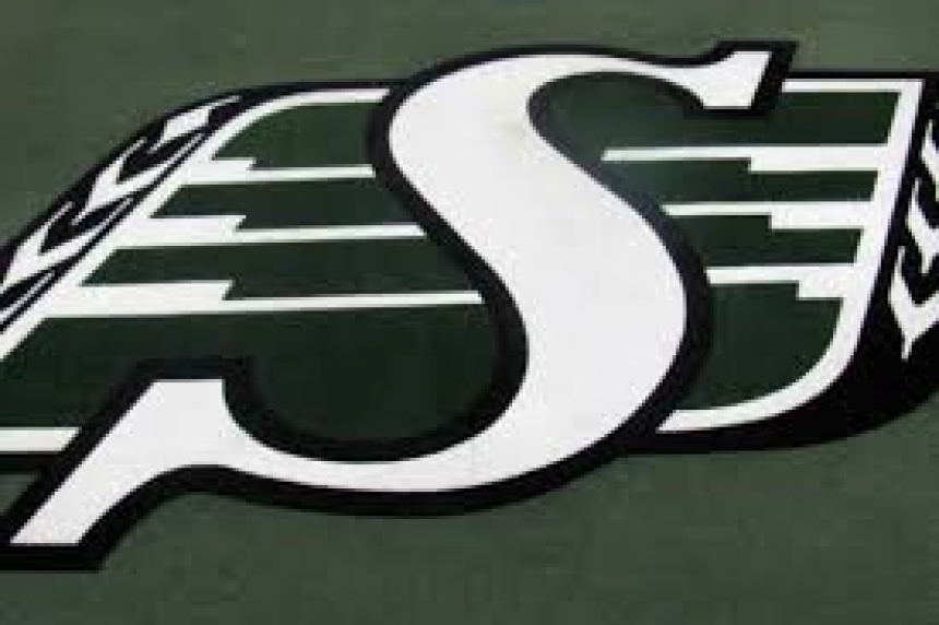 International DB Justin Cox signs extension with Riders