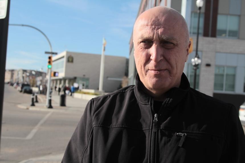 Saskatoon man files human rights complaint over pot dispensary raid