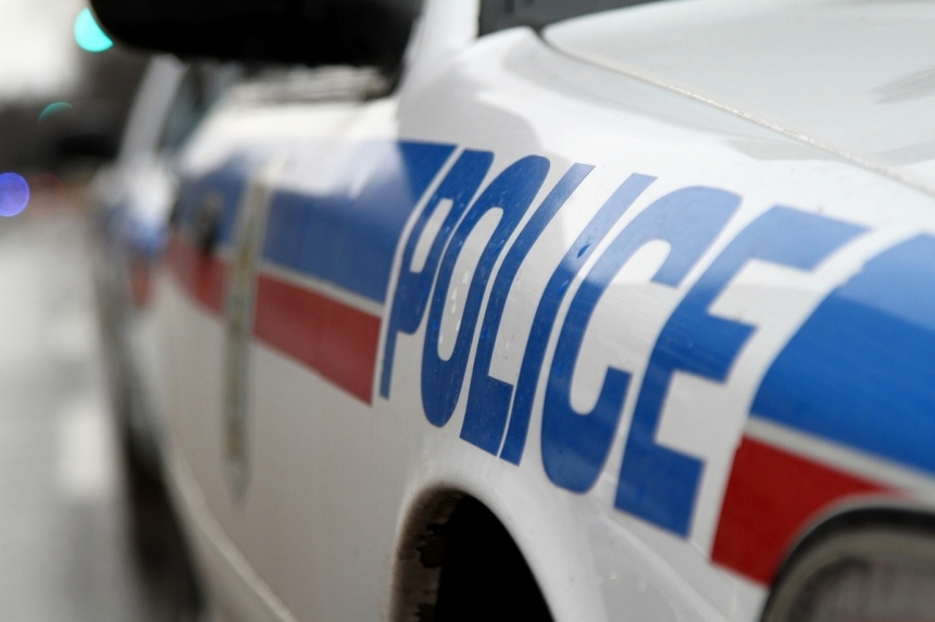 Police chase ends at Vanscoy gas station, 5 arrested