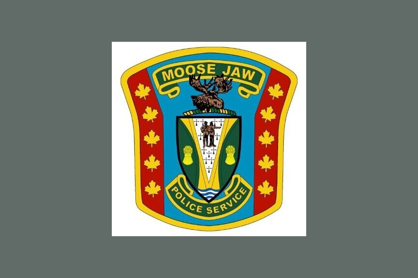 Mirrors knocked off 21 vehicles in Moose Jaw