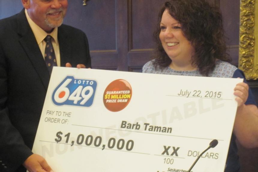 Moose Jaw woman wins $1 million in Lotto 6/49