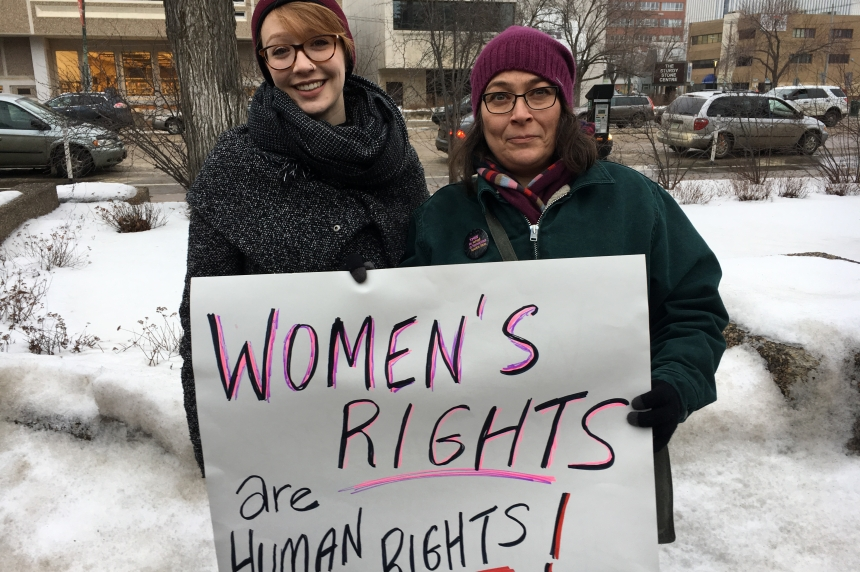 Hundreds take over downtown Saskatoon in support of Washington women's march