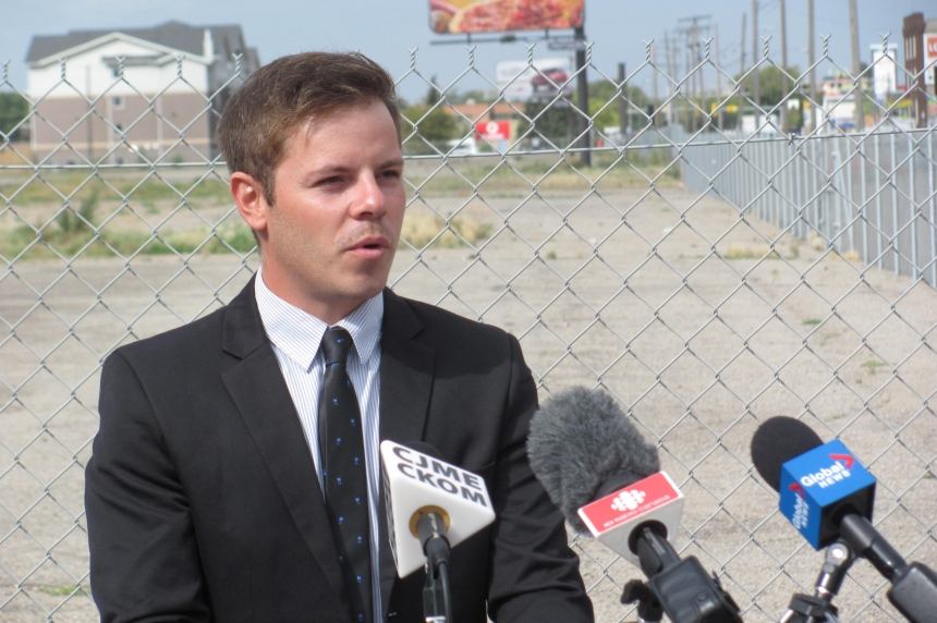 Regina councillor endorses son for seat at city hall