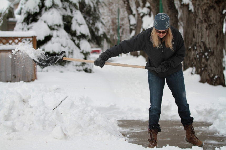 City of Saskatoon looks at tougher enforcement of snow clearing bylaw
