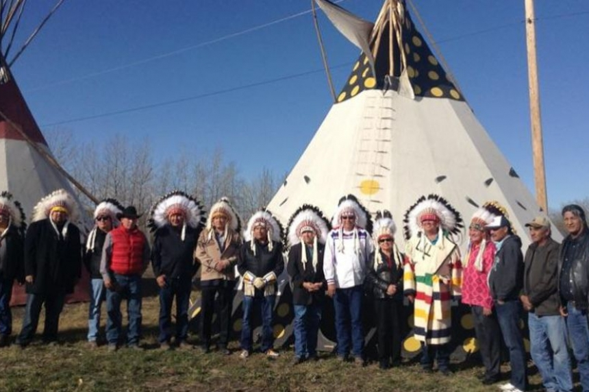 Mistawasis Chief signs peace treaty with Alberta First Nation