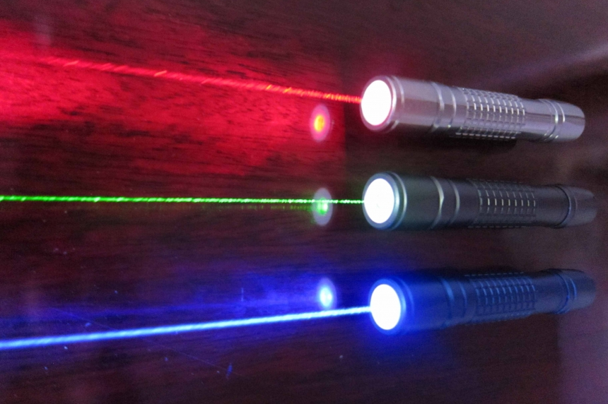 Air officials issue warning about laser pointers in Saskatoon