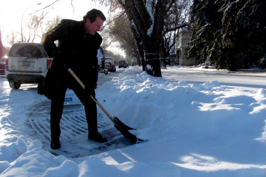 City of Regina looks  to reward snow shovellers