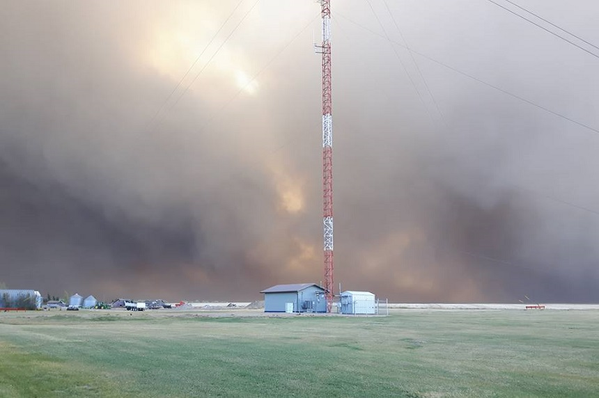 Sask. wildfire evacuees sent to Kindersley for safety