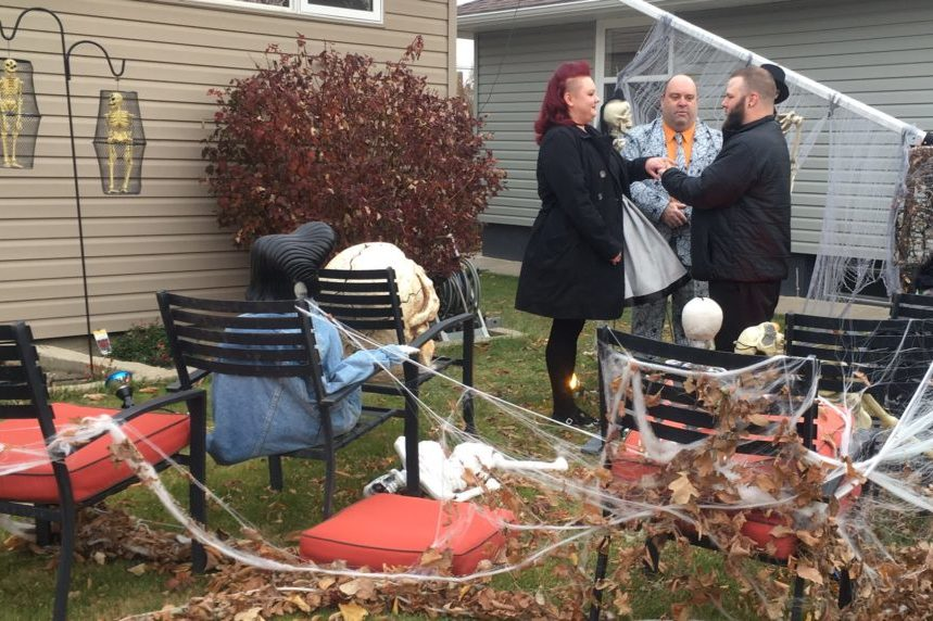 A ghostly affair: Sask. couple says 'I do' on Halloween