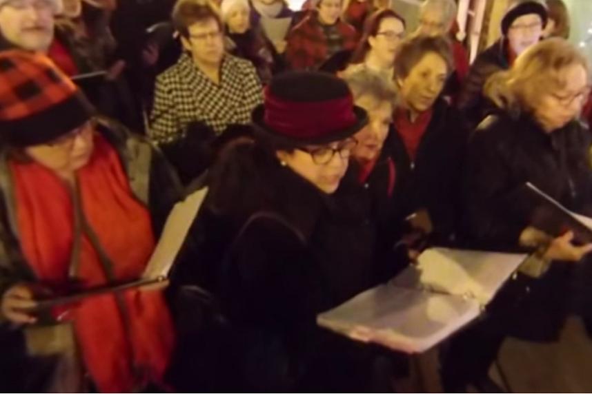 Joy of Vox carolers spread Christmas spirit in Saskatoon