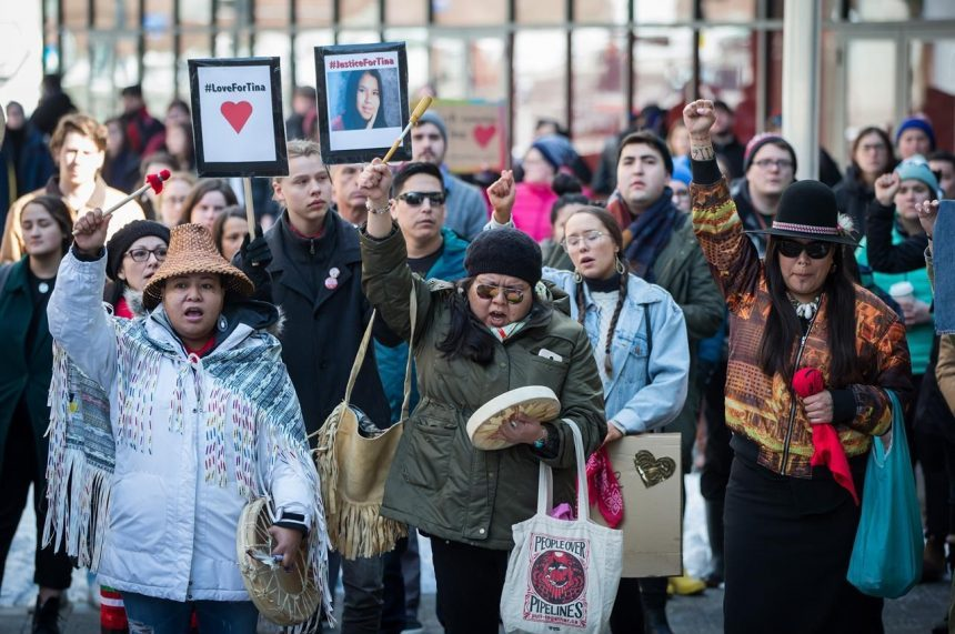 Round dance calling for justice for Tina Fontaine blocks Regina intersection