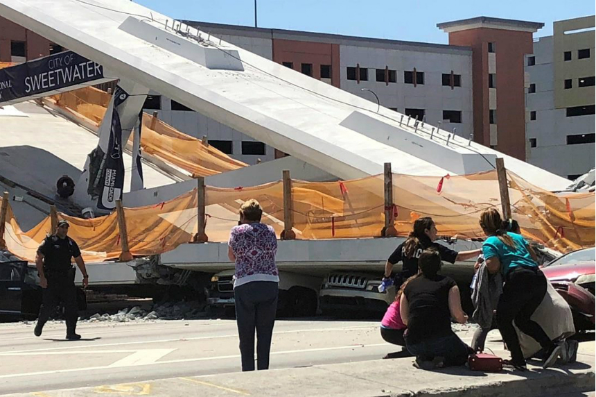 Pedestrian bridge collapses at university; several hurt