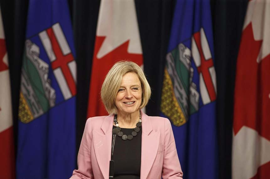 Alberta politicians vote unanimously to back province in oil pipeline fight