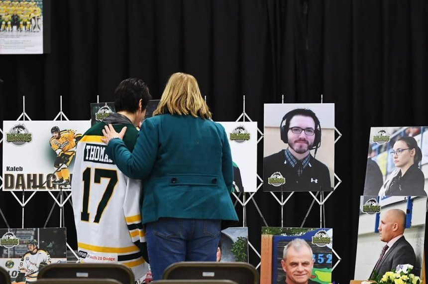 Tears flow as hundreds gather to remember Humboldt Broncos killed in bus crash