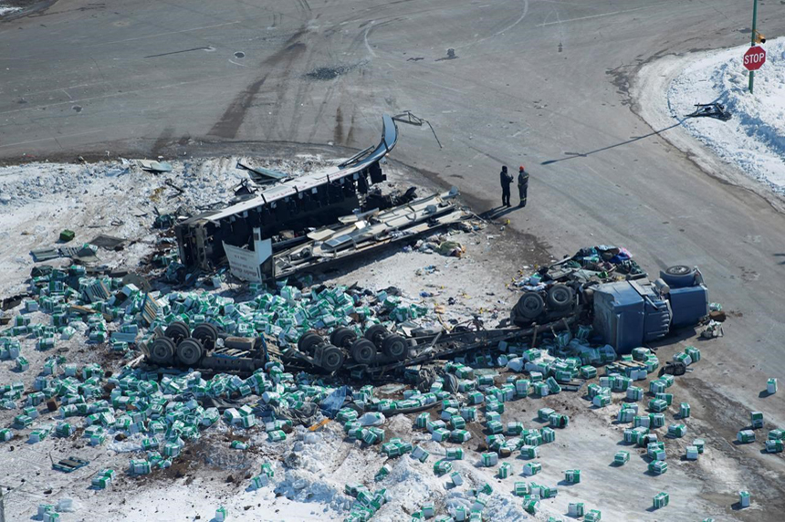 Not known what caused Saskatchewan bus crash that killed 15: RCMP