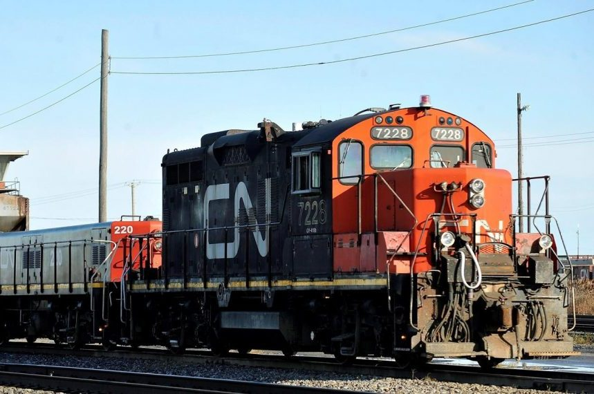 CN to purchase hundreds of grain cars as transportation bill becomes law