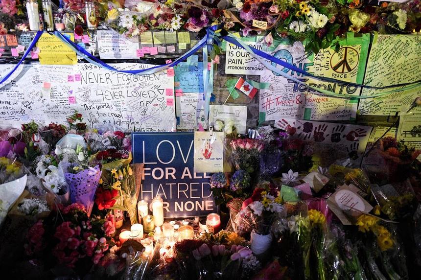 Hundreds attend visitation for 45-year-old victim of Toronto van attack