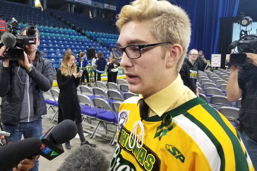 Pittsburgh fans honour Humboldt Broncos player