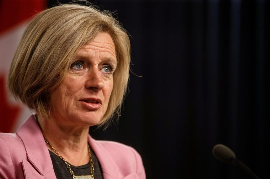 Pipeline decision too close to chastise B.C. at western premiers meeting: Notley
