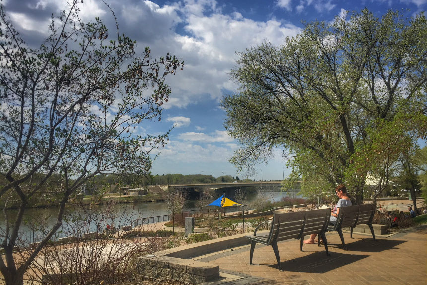 Warnings issued as hot weather continues in Saskatchewan