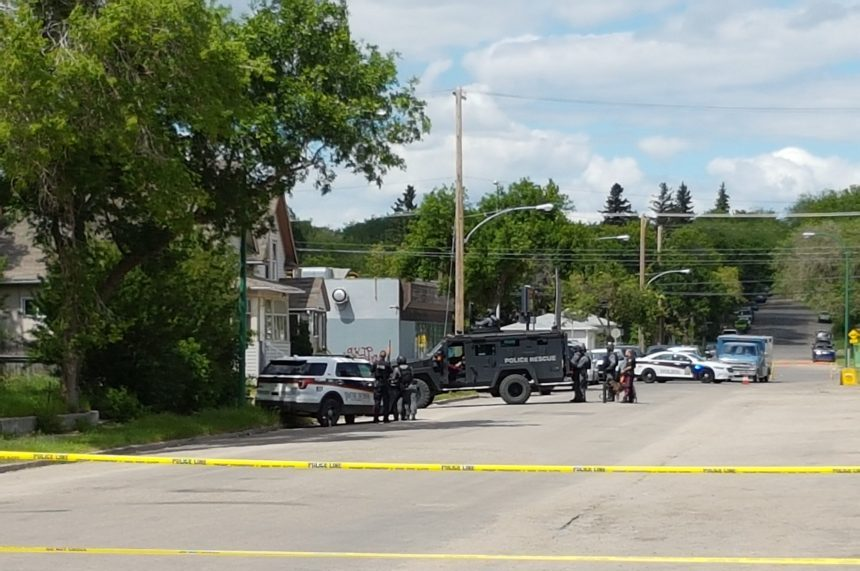 Saskatoon police respond to person barricaded inside residence